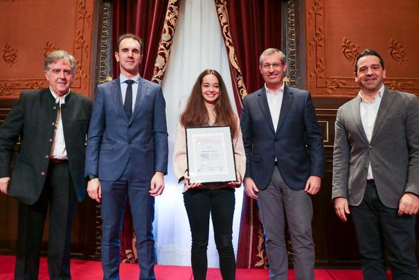 Ana Campos recibe el premio de la X. edición Altuning Pro Gipuzkoa